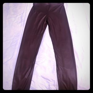 Maroon faux leather leggings, small